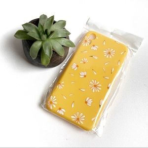 Accessories - 3/$20 IPhone XR  daisy phone case
